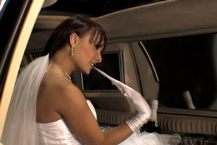 Brides Stripping - Taty