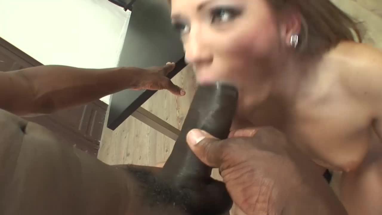 Gozada gostosa na boca da loira
