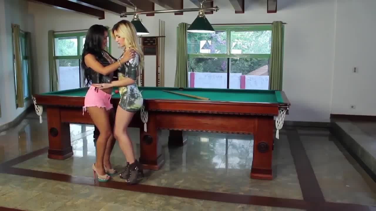 Lesbian Sex on the table - Snooker - Barbara Lins & Paloma Fiorini