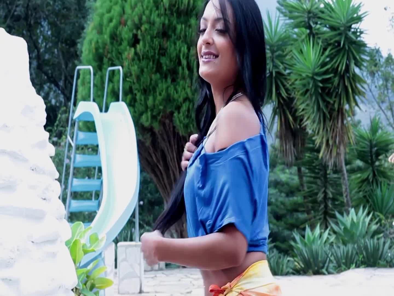 Strip In The Pool - Karina Oliveira