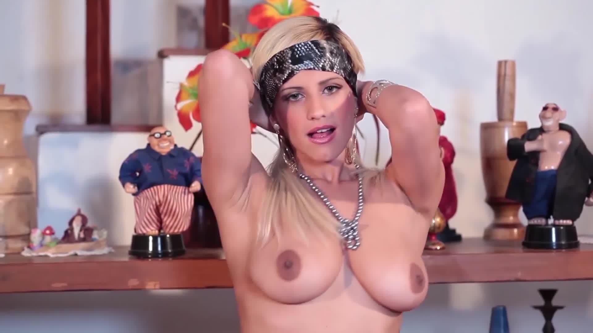 Brazilian Women - Carol Castro