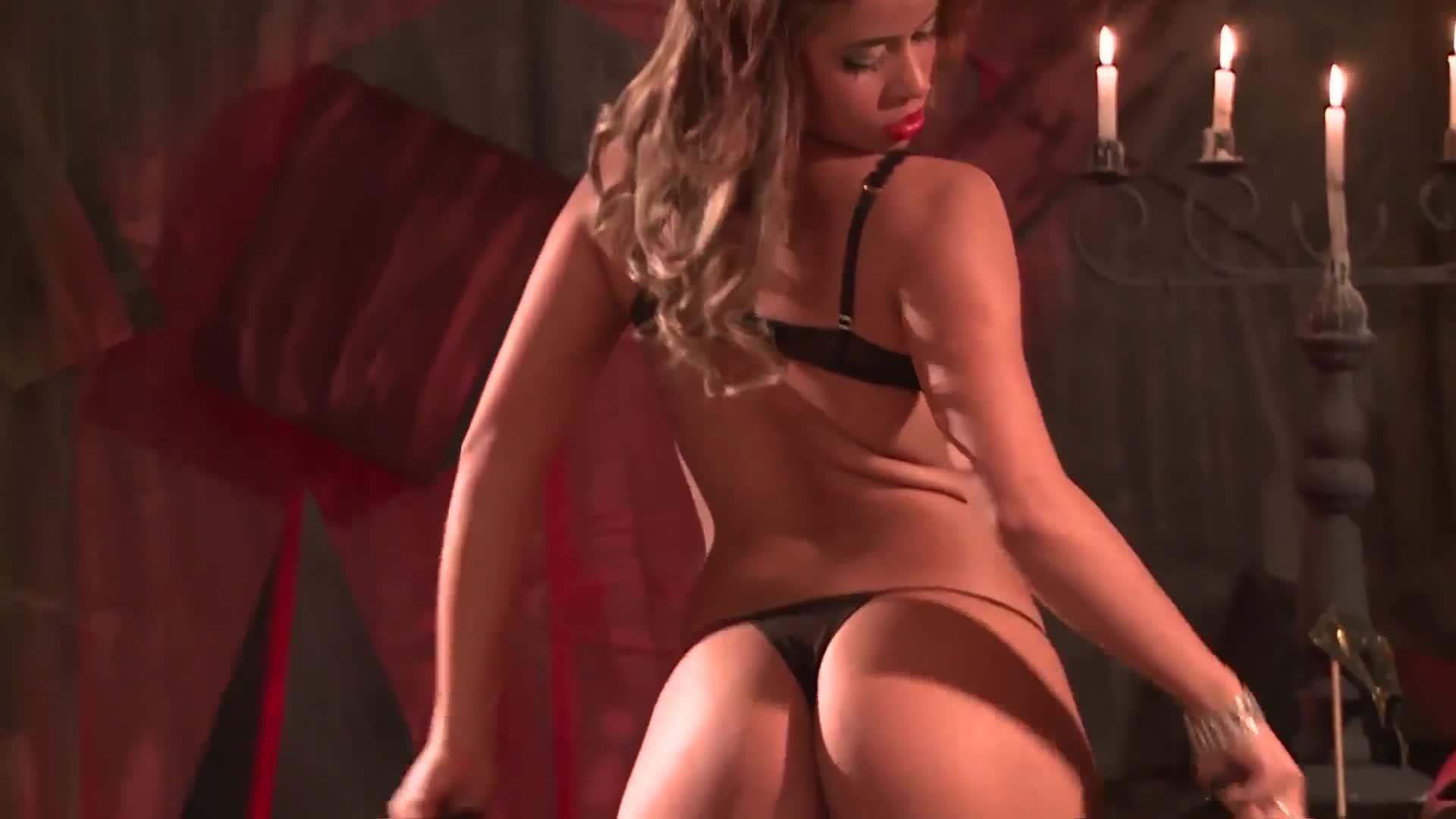 Brazilian Woman - Lola