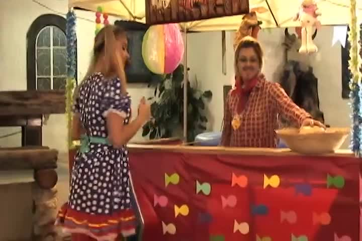 Country Striptease - Bruna & Anne