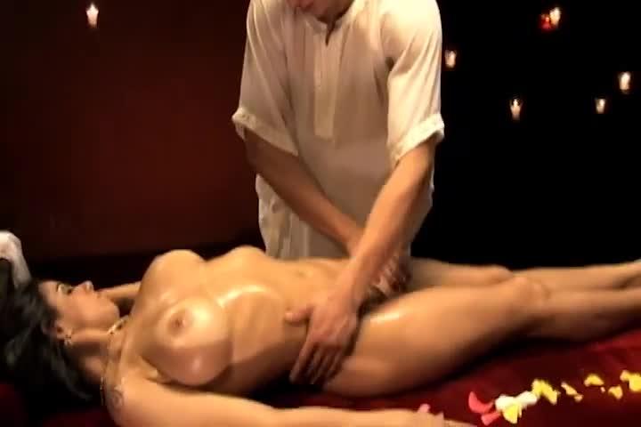 Hot Massage - Fabiane Thompson & Kleber
