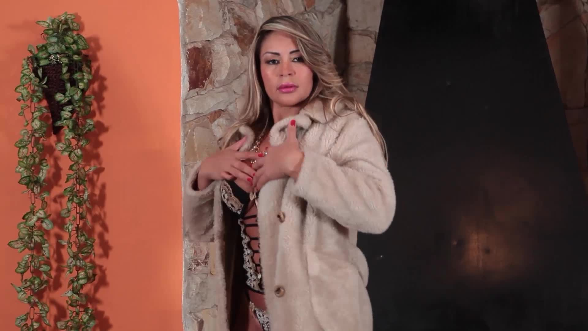 Sensual Winter - Cléo Cadillac