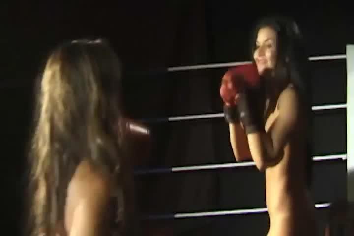 Isa Hunter & Tamiry Chiavari - Boxing