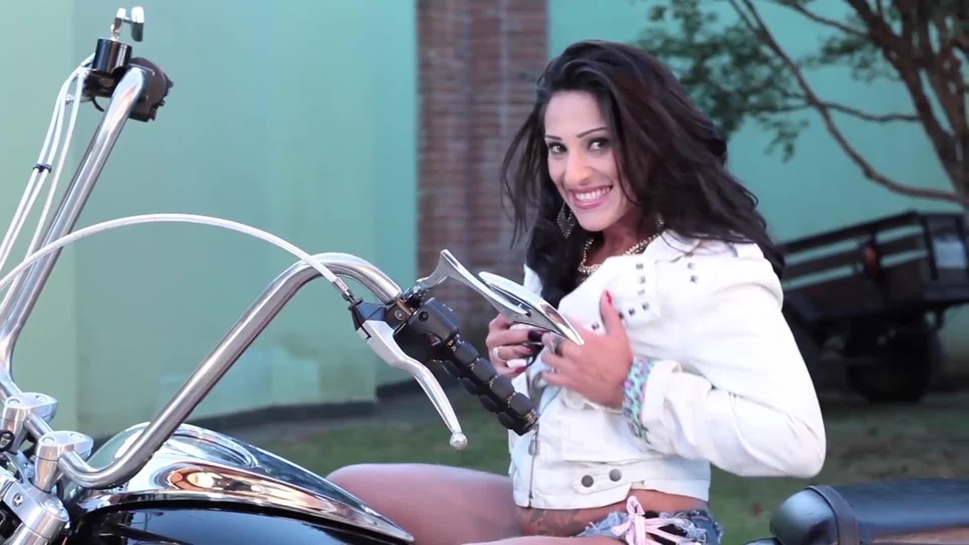 Sexy Biker - Juliana Alves